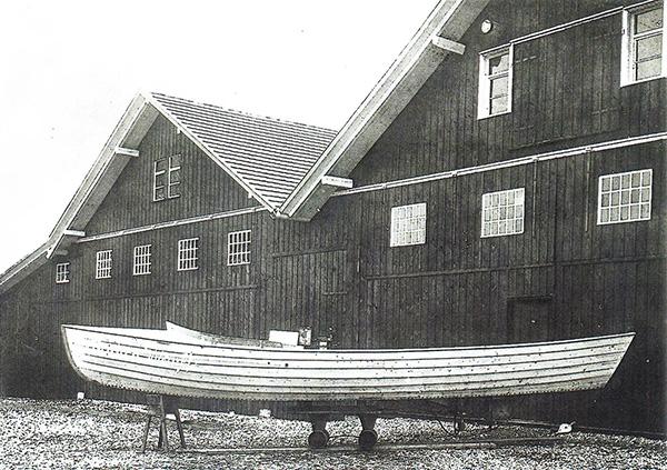 Fishing boat in front of the carpenter's workshop. Kübler Collection, Stuttgart.