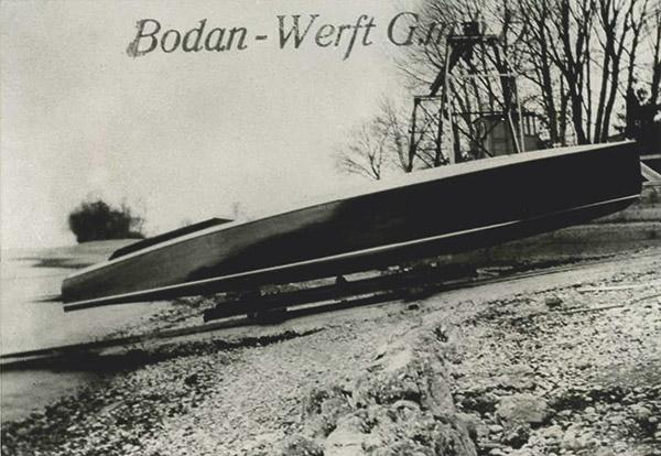 Auch auf der Bodan-Werft wurden Rennboote gebaut. Das Foto zeigt ein Boot für Maybach aus dem Jahr 1925, das mit einem 500 PS starken Motor ausgestattet und 78 km/h schnell war. <br> Datenblatt der Bodan-Werft, Sammlung Reimann, Arth (CH).