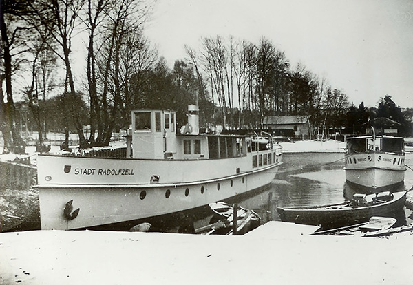 MS Stadt Radolfzell for the Deutsche Reichsbahn, on the right MS Konstanz for the motorboat service of the city of Konstanz. Collection Robert Dittmann, Kressbronn a. B. (Bildarchiv Bodan-Werft, F 2260).