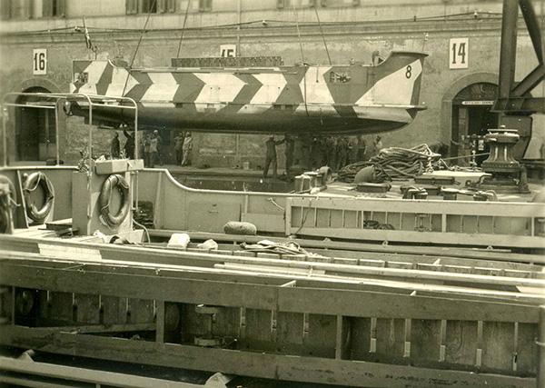 Herstellerplakette Polizeiboot 1. Sammlung Berg Konstanz.