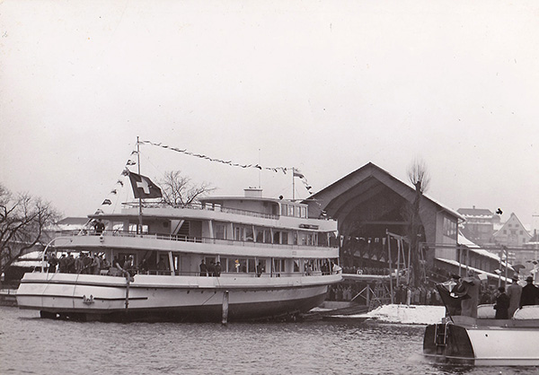 Launched MS Linth on Lake Zurich. Private collection August Fuchs, Kressbronn a. B.