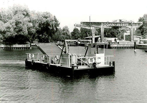 """The """"Lakeplant-Catcher"""" lake goat, called 'Lake cow' from 1978 was an own development of the Bodan shipyard. Arnold Collection, Friedrichshafen."""