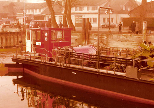 Fire brigade's oil catcher boat. Arnold Collection, Friedrichshafen.